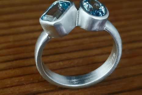 Sterling Silver Sky Blue Topaz Ring two stone ring 7mm x 5mm oval emerald cut ri