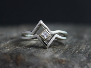 14k Yellow gold and Sterling silver band, Solitaire Chevron Ring, Princess Cut M