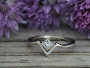 14k White Gold Moissanite 4mm Ring, Solitaire Chevron Ring, Princess Cut Moissan
