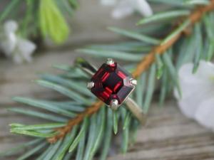 Asscher Cut Garnet Ring, Alternative Engagement Ring, January Birthstone, non-tr