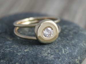 Diamond Pebble Ring in 14 Yellow Gold, Halo Ring, Stackable Ring, Engagement Ring, Split Shank, Ready to Ship Gold Ring