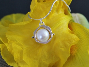 Spinning Pearl Pendant, Natural Pearl Necklace, Sterling Silver Pendant, Spinning Bead, Everyday Necklace, Ready to Ship Neckwear
