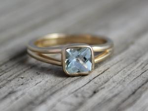 Aquamarine Solitaire Ring, Bezel Set Aquamarine, Split Shank Ring,  14k Yellow Gold Ring, 6mm Cushion Cut Aquamarine Ring, Made to order