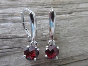 Garnet dangle earrings leverback  in  sterling silver