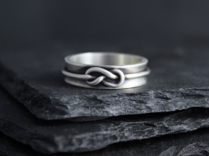 Infinity Knot Ring, Sterling Silver Love Knot Ring, 6mm Wide Ring, Matching Wedding Bands, Eco Friendly Ring, Ready to Ship Size 9