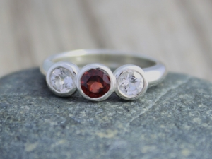 Bezel Set Three Stone Ring // Garnet White Topaz // Sterling Silver Three Stone Ring // Past Present Future Ring // Eco Friendly