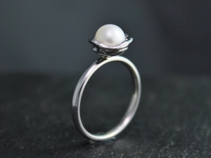 White Pearl Solitaire Ring, 14k White, Yellow, Rose gold, Pearl Ring, Organic Free Form, Cultured Akoya Pearl, Gold Ring Ready to Ship Sz 7